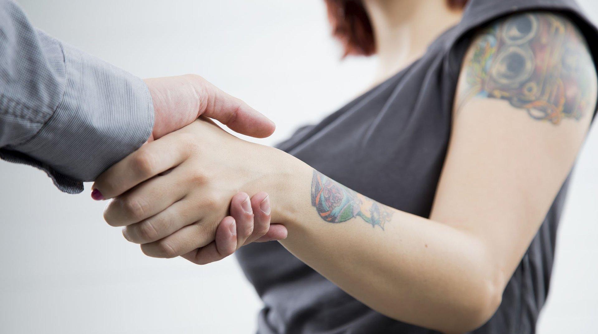 Czy tatuaże można usunąć laserem?