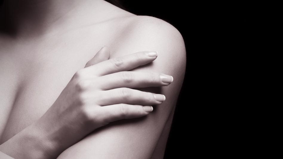 Mastektomia z jednoczesną rekonstrukcją piersi – na czym polega?